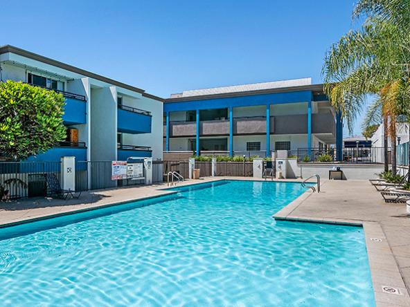 westside-terrace-LA-apartments-pool