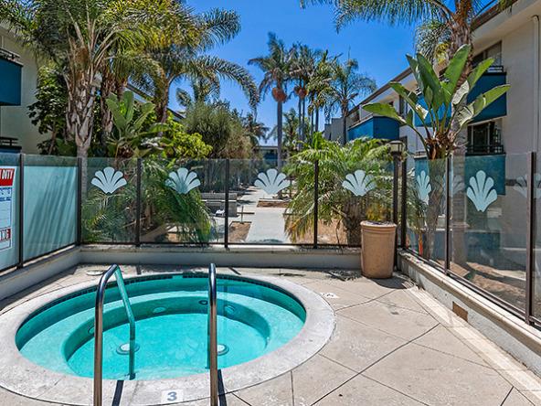 westside-terrace-LA-apartments-spa