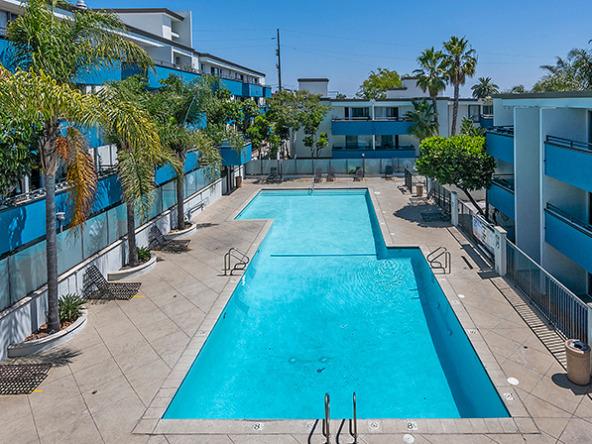 westside-terrace-pool-aerial